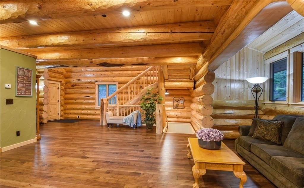 Jack Frost Log Homes and Design16