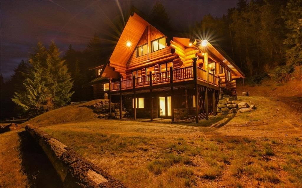 Log Home Exterior Designs 13